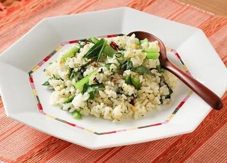 栄養満点の小松菜チャーハン