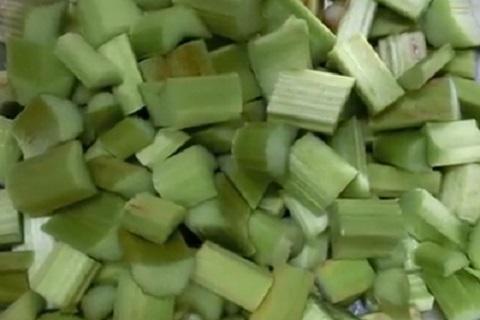 茎の部分を食用とするルバーブ